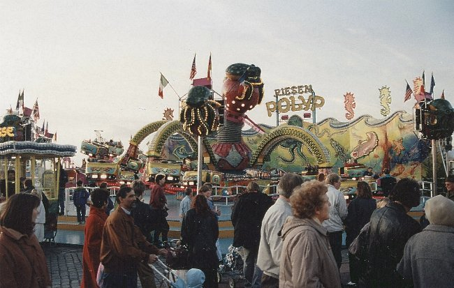 RIESENPOLYP_Schultze1991